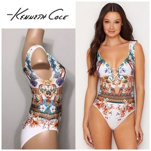 FLORAL ONE PIECE SWIMSUIT WITH CUTOUT LATTICE BUST